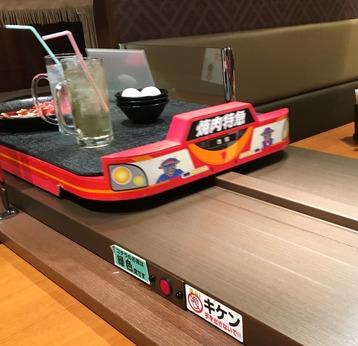 焼肉特急池田駅 バーン!と特急列車がお肉を運ぶ